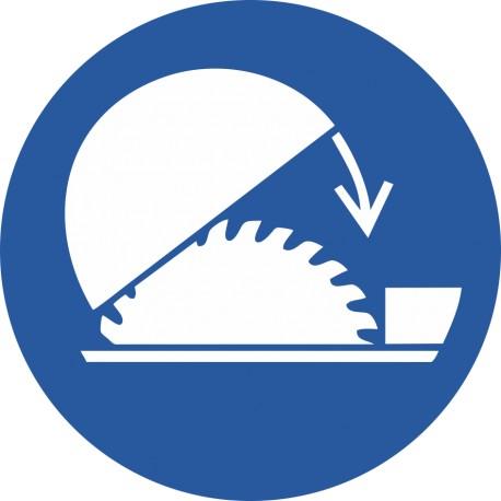 Utiliser la protection réglable de la scie circulaire sur table